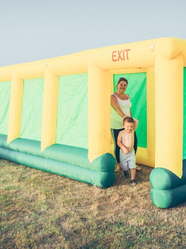 inflatable maze, giant inflatable maze