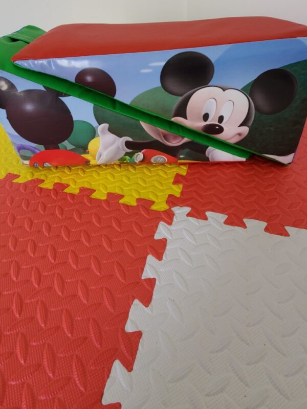 cartoon characters soft play hire kent and sussex