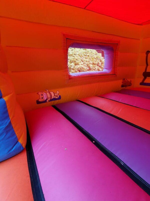 piggy bouncy house, peppa pig bouncy castle