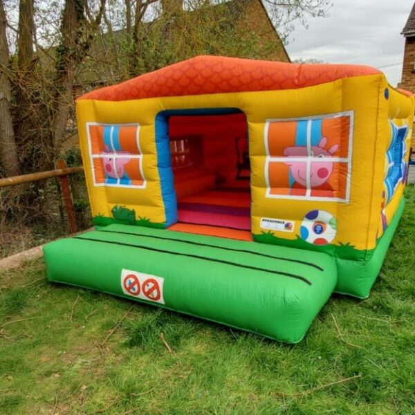 bouncy house for hire in Kent, peppa pig bouncy castle