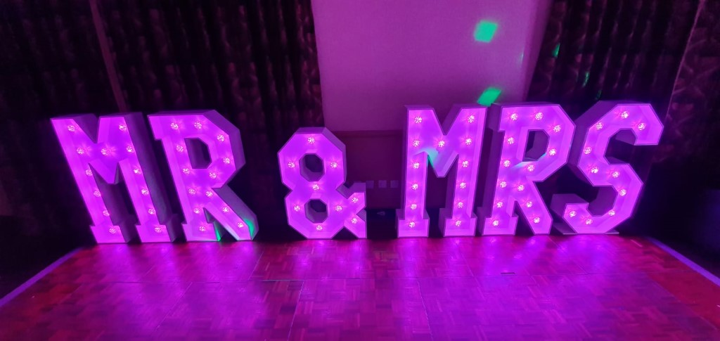 mr and mrs lights for wedding